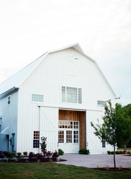 Romantic North Texas Wedding At White Sparrow Barn Nadia